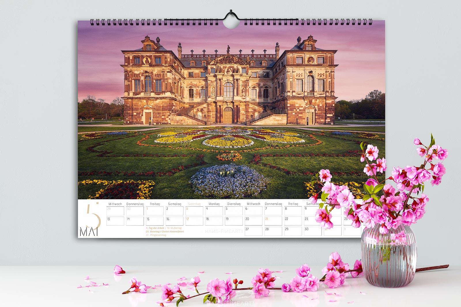 Monatsbild Mai vom Wandkalender Dresden Im Wandel der Jahreszeiten 2020. Palais im Großen Garten